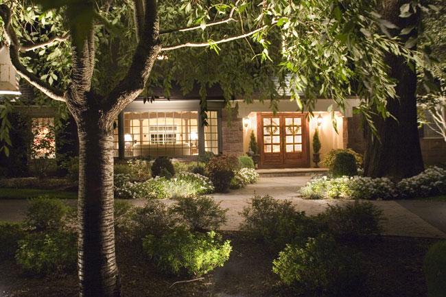 backyard lighting, cast lighting