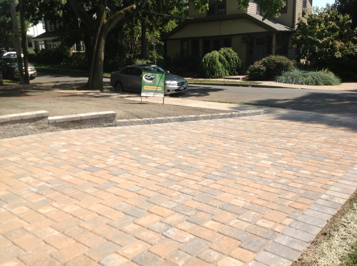 Paver driveway installer, Reading, MA.