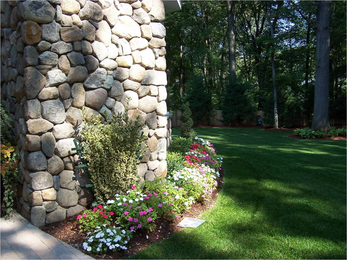 Fieldstone wall