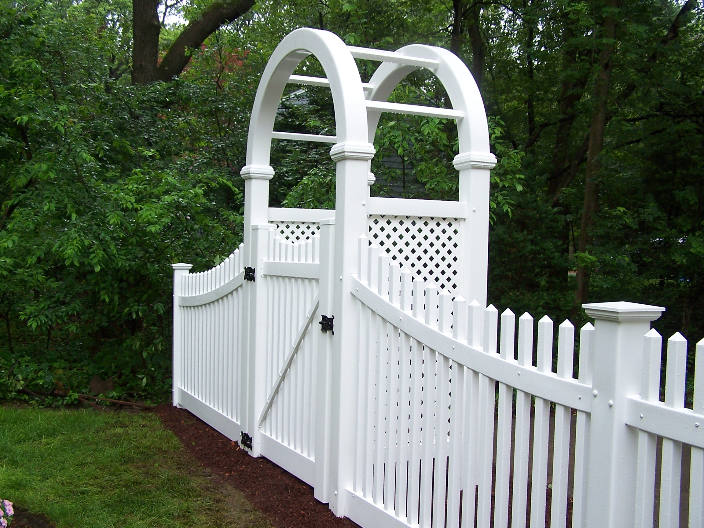 Vinyl Gated Arbor & Fence, Winchester, MA