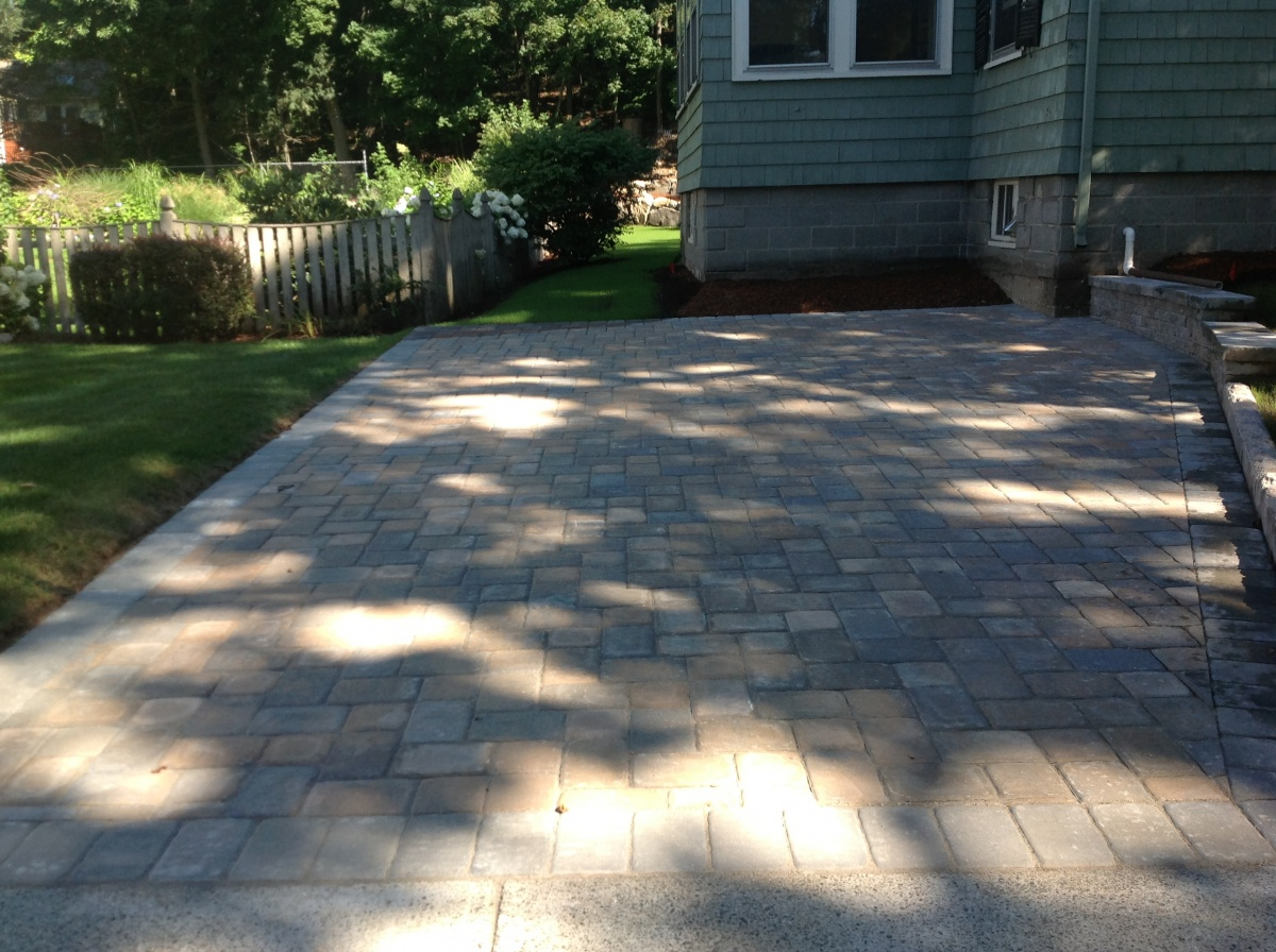 Driveway paving stone with an old world look.