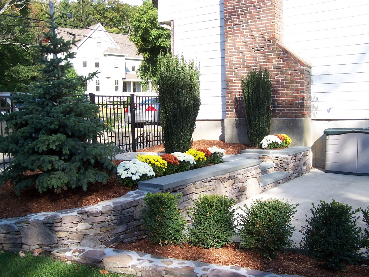 retaining wall, natural flat fieldstone, Bluestone capping steps