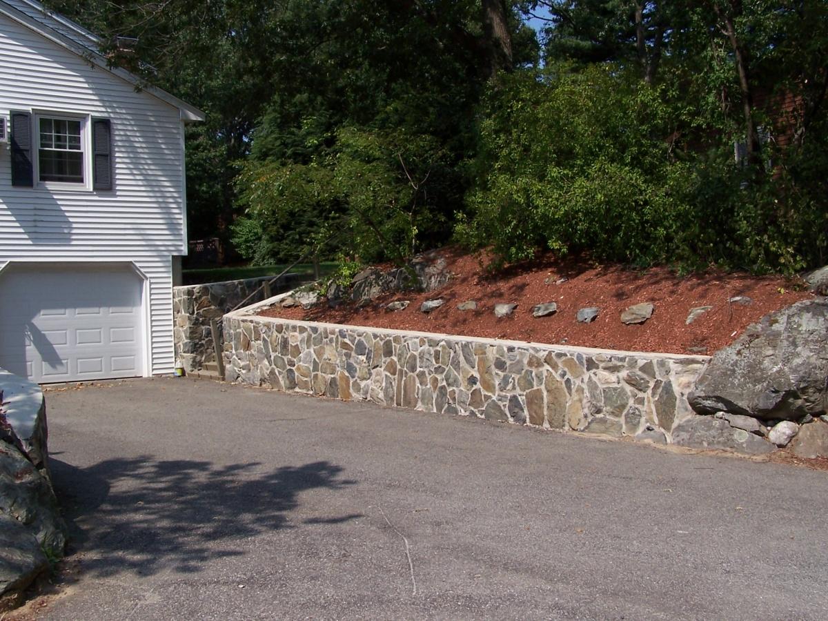 Natural fieldstone retaining wall