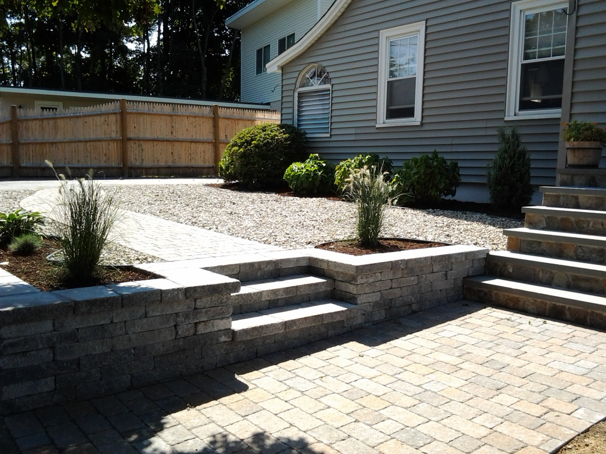 Natural fieldstone Retaining wall, steps and walkway