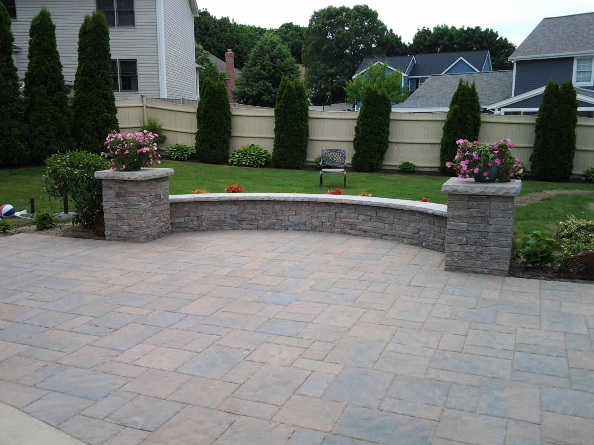 Curved sitting wall & patio.