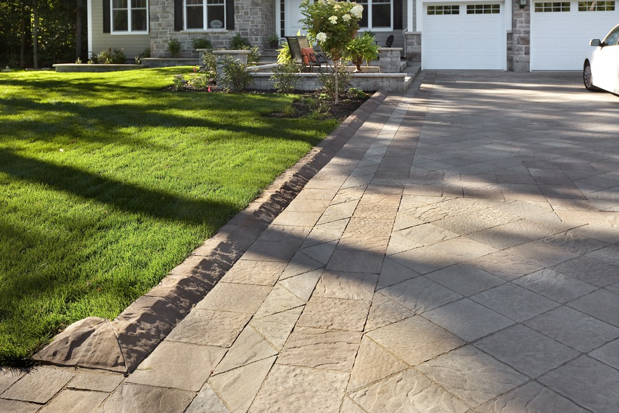 Landscaping ideas for driveway
