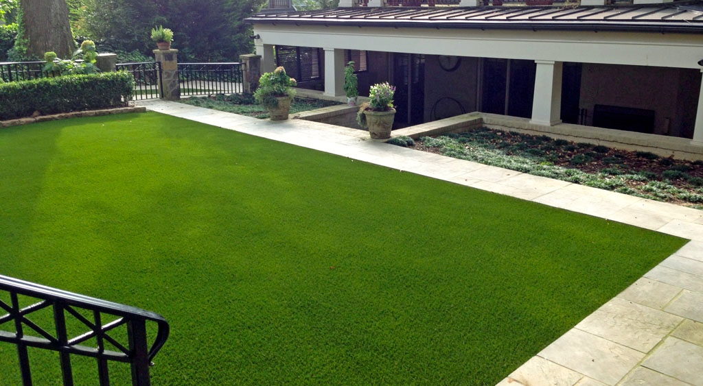 Synthetic grass, tee off in your backyard!