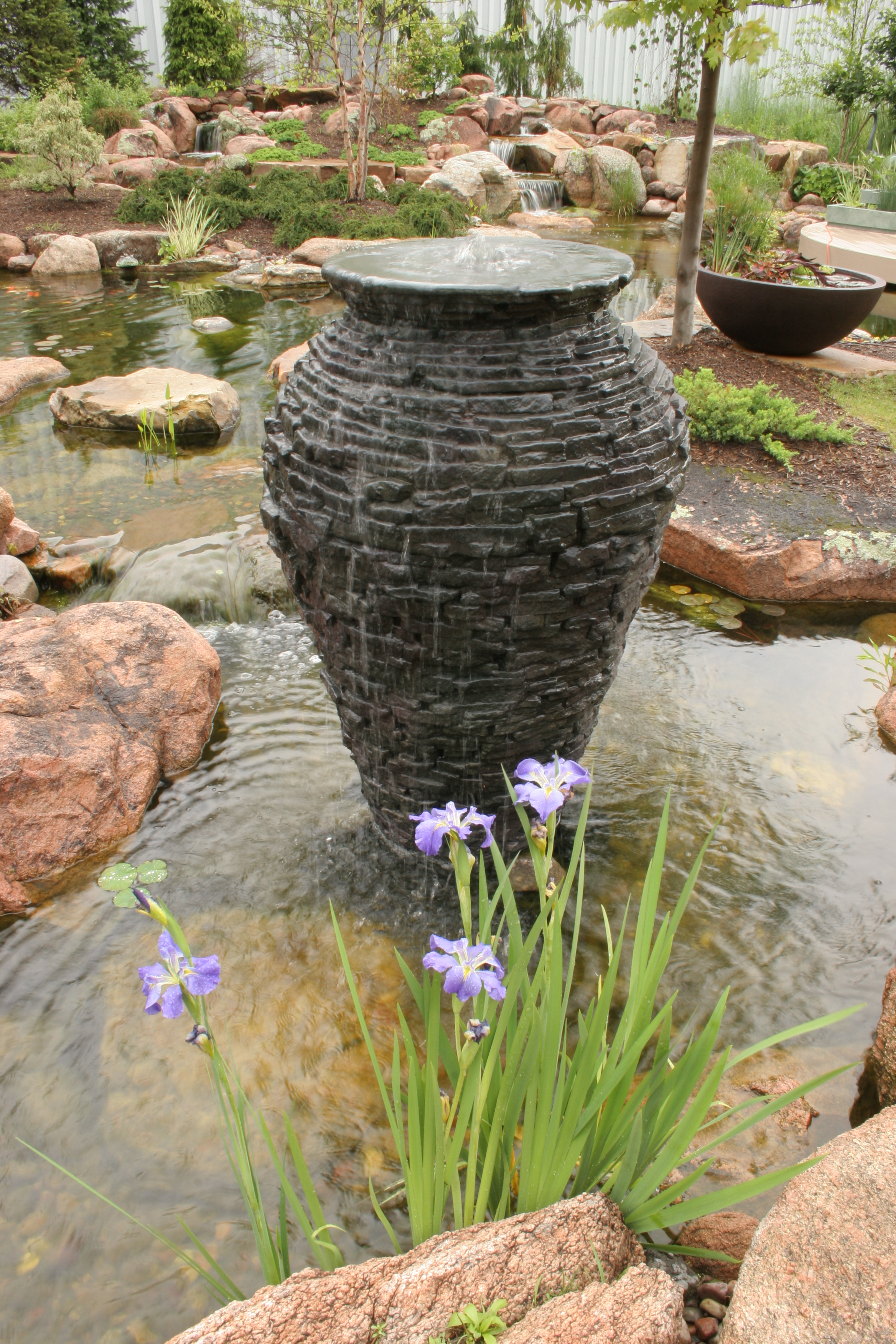 vase shaped fountain