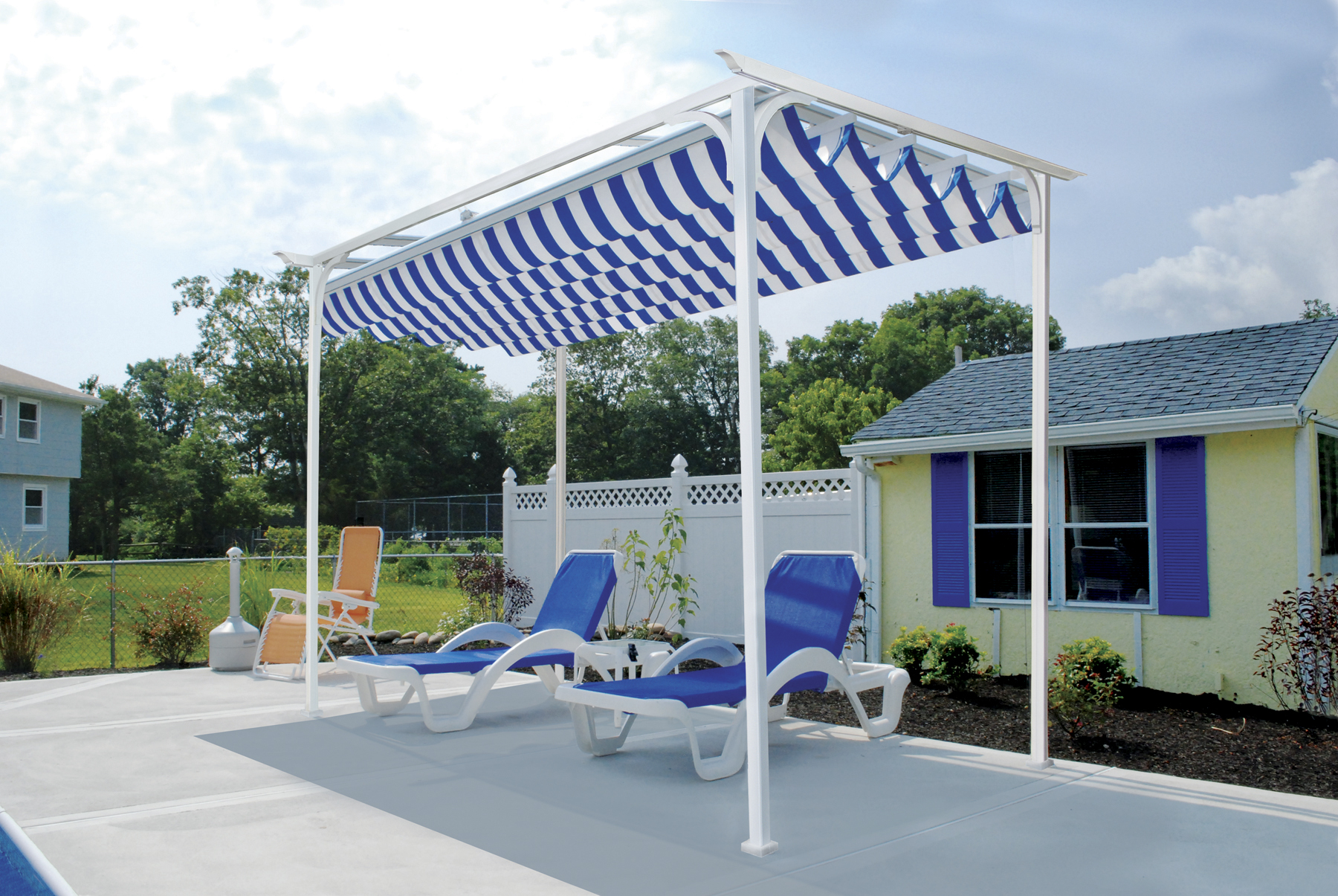 Freestanding arbor with canopy